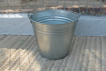 16 litre metal bucket