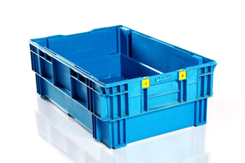 solid plastic tray