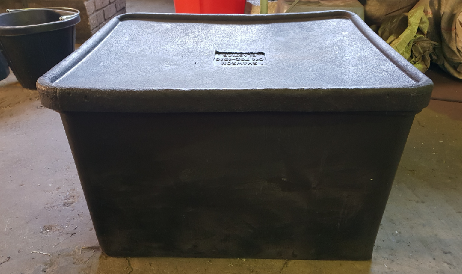 plastic locker box with lid